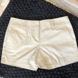 ANN TAYLOR SIGNATURE SHORTS